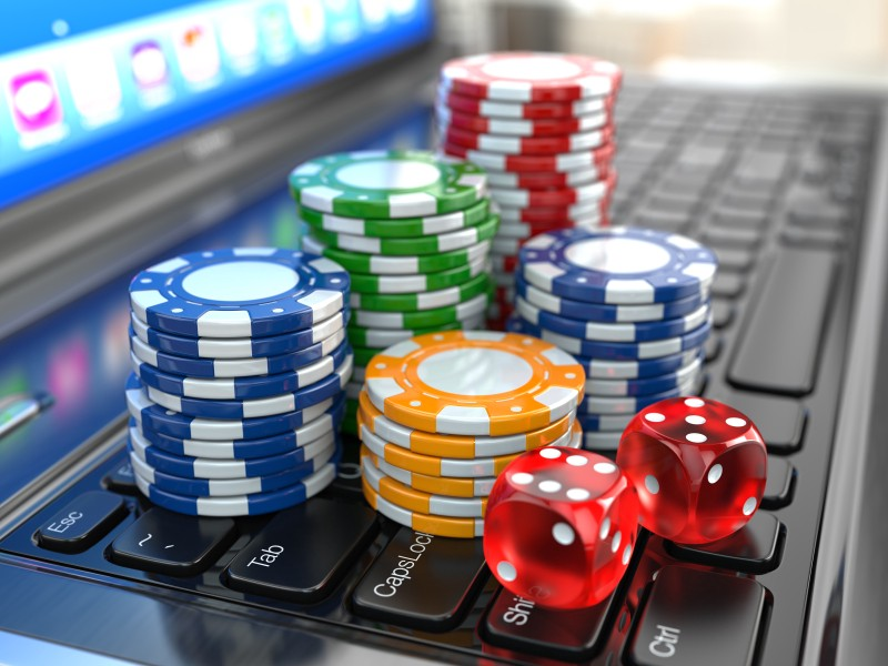 Why are Online Casinos Games Better than the Offline Casino Games?