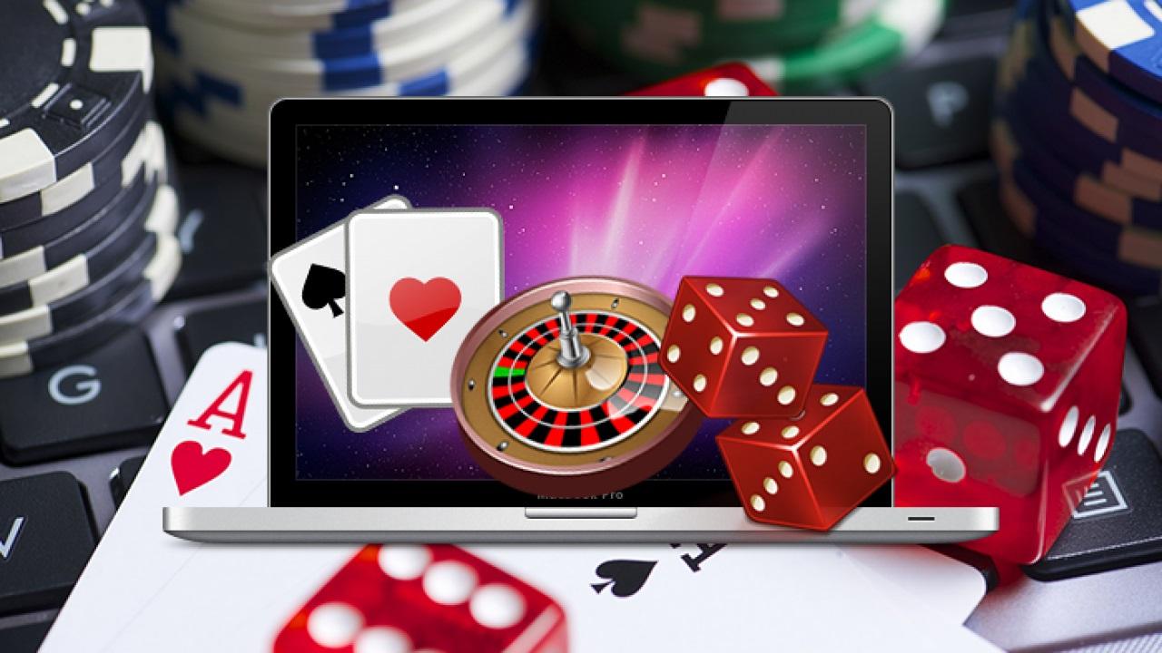 Playing internet poker games