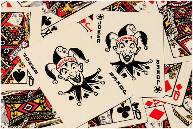 Pick the convenient way of playing online gambling games